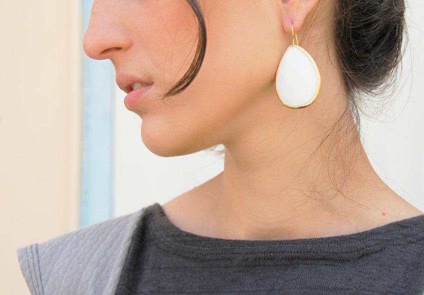 زفاف - Bridal earrings - white Earrings - white stone earrings - white dangle earrings - bridal drop earrings - bridal jewelry
