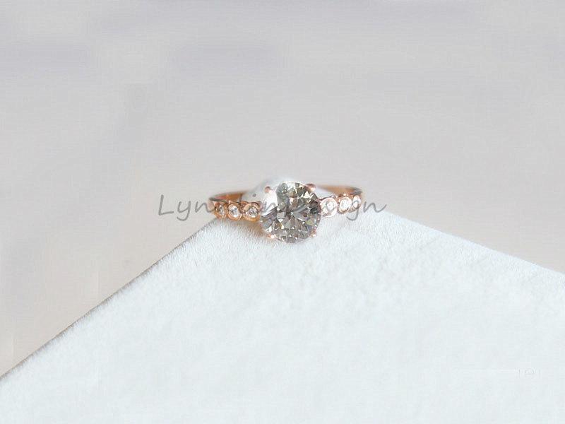 Mariage - 5mm Forever Brilliant Moissanite Engagement Ring 14K Rose Gold Wedding Ring Engagement Ring Moissanite Diamond Jewellry Anniversary Ring
