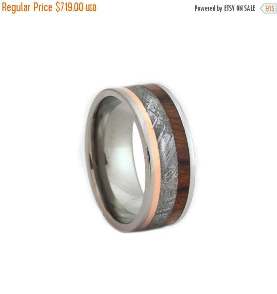 زفاف - Wedding Sale Gibeon Meteorite Ring, Titanium Wedding Band with Meteorite, Copper and Ironwood Elements, Waterproof Ring
