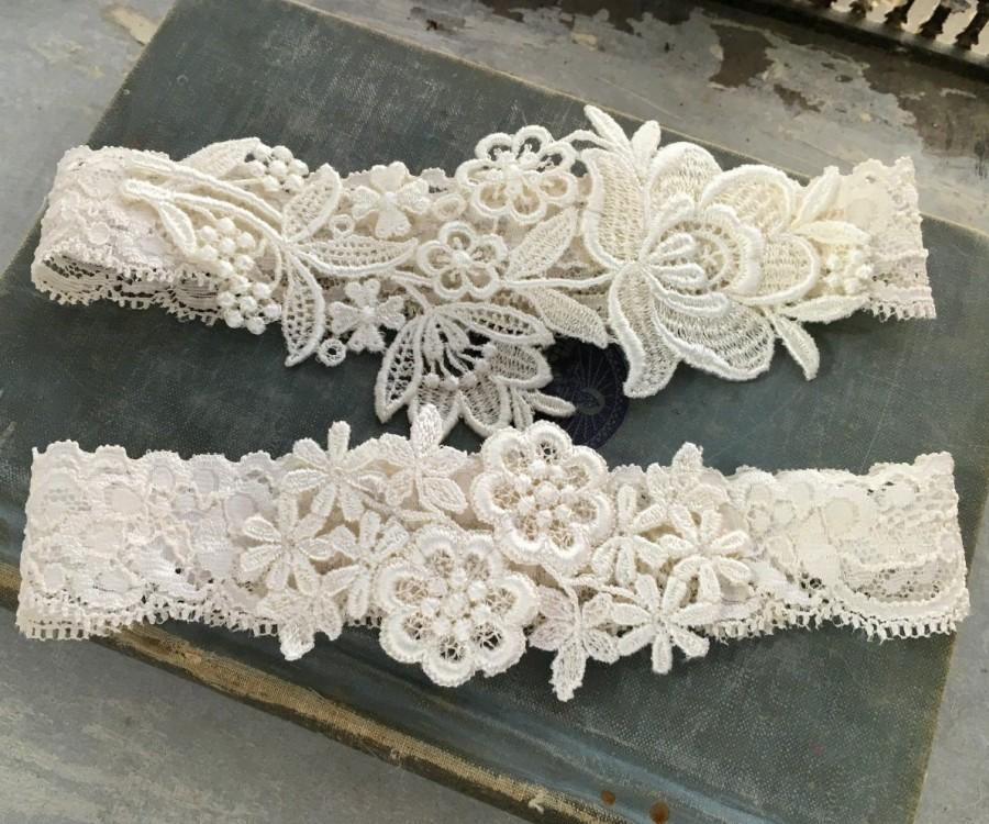 "Свадьба - Lace Wedding Garter Set, Ivory Garter Set, Lace Garter, Toss Garter, Simple Lace Garters - Available in Ivory or White - ""Flora"""