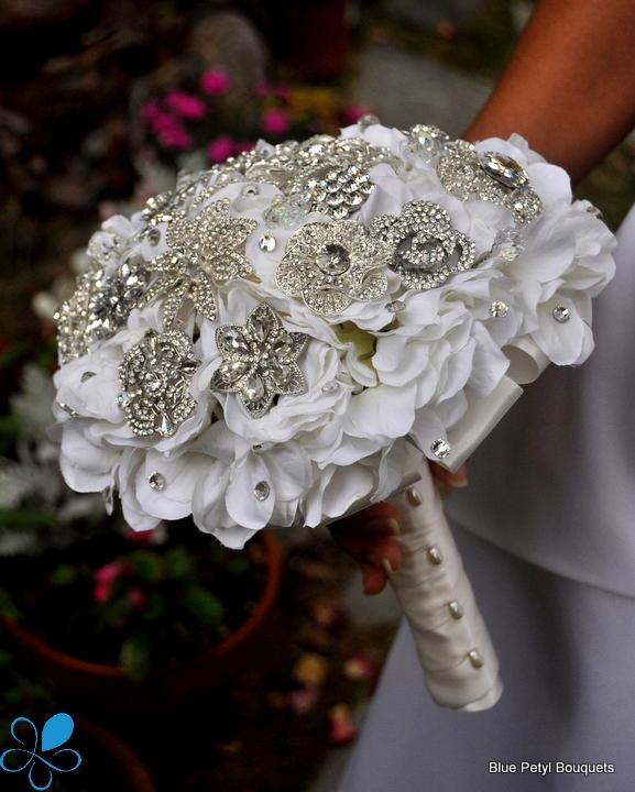 Hochzeit - Crystal Hydrangea Brooch Bouquet - SMALL- Wedding Bouquet - Bridal Bouquet