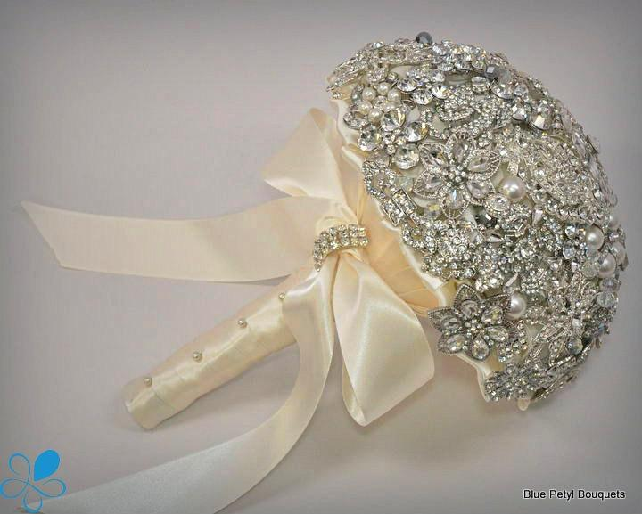 Mariage - Diamante Brooch Bouquet - by Blue Petyl - Bridal Bouquet - Wedding brooch Bouquet, broach bouquet, bridal bouquet brooch