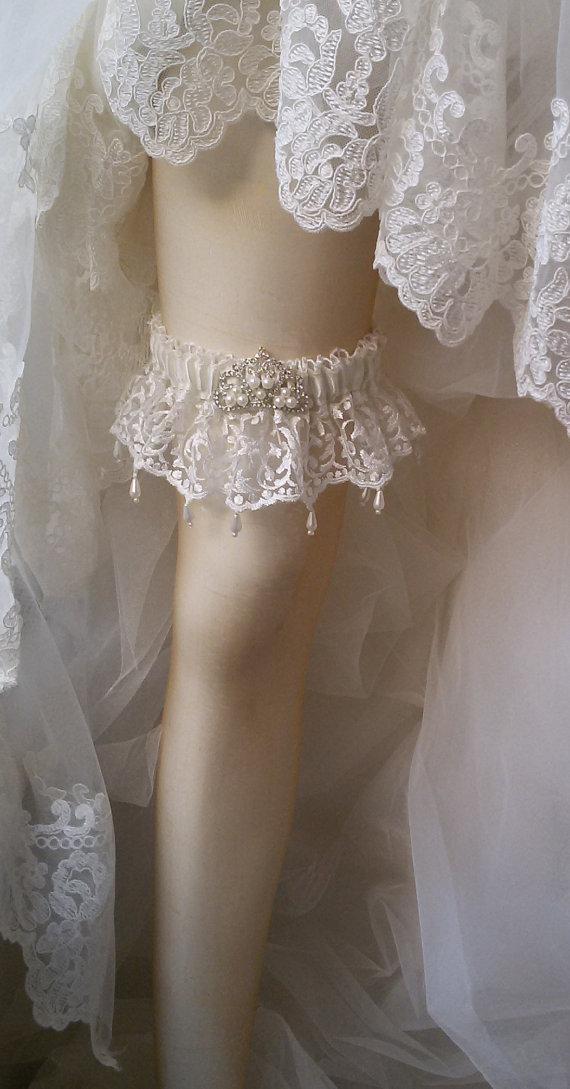 Hochzeit - Wedding garter,Wedding leg garter ,Garter, Bridal Garter,İvory Lace Garter, Bridal Accessory,Wedding lingerie & garter
