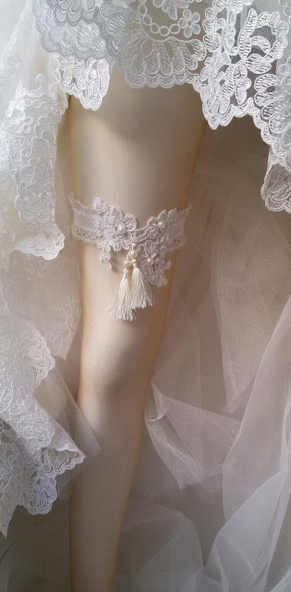 Hochzeit - Wedding garter, Wedding Leg Belt, Rustic Wedding Garter, Bridal Garter , Of white Lace, Lace Garters, ,Wedding Garters,