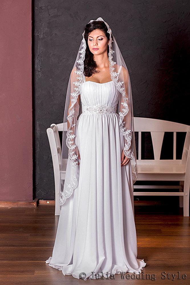 Mariage - Mantilla veil,lace wedding veil,waltz length,long veil,Beaded Veil,custom veil,single tier veil,one tier veil,white tulle veil,Tulle Veil,