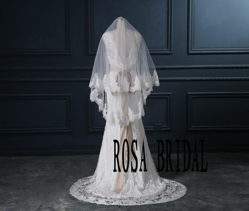 Свадьба - Wedding veil fingertip 2 Tiers, Bridal Lace Veil fingertip lace edge Veil