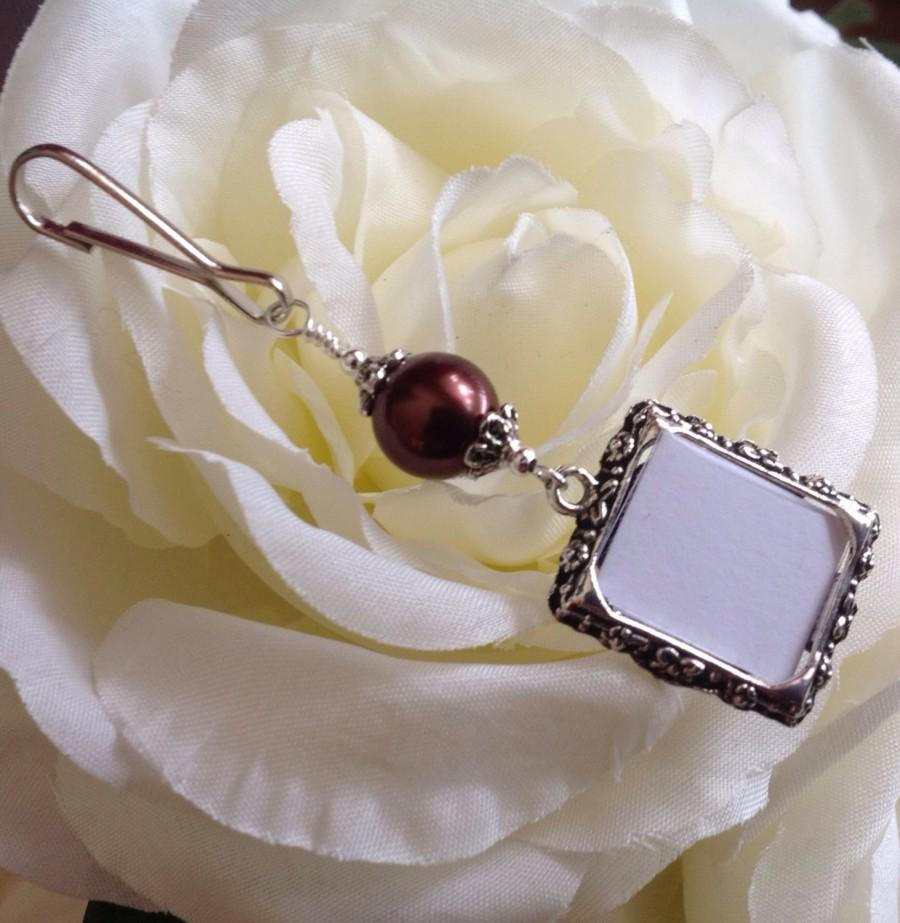 Wedding - Wedding bouquet photo charm. Bridal bouquet charm with brown or white pearl. Gift for the bride. Memorial picture frame. Wedding keepsake