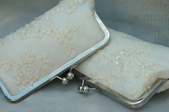Mariage - Ooh La La Lace-- French Lace & Pearl Bridal Clutch