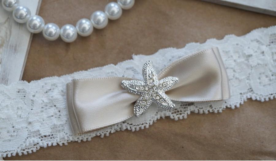 Mariage - Wedding Garter, Bridal Garter, Vintage Wedding, Ivory Lace Garter, Crystal Garter
