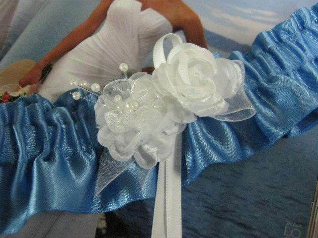 Mariage - Blue Garter with White Flowers