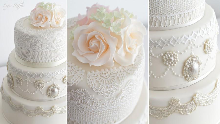 زفاف - Lace And Brooches