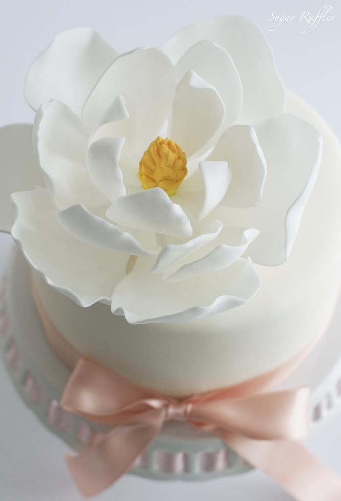 Свадьба - Magnolia Birthday Cake