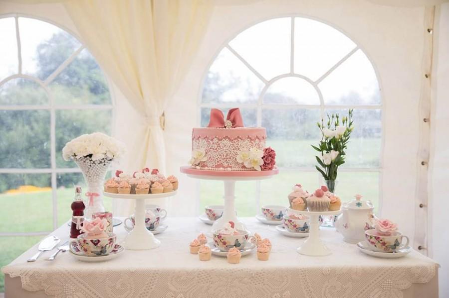 Vintage Tea Party Hat Box Wedding