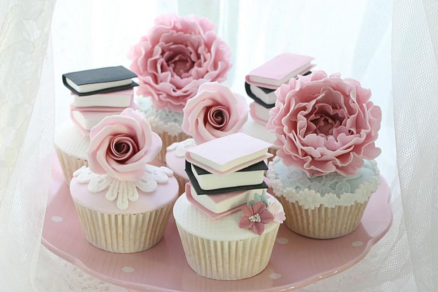 Wedding - Book Cupcakes