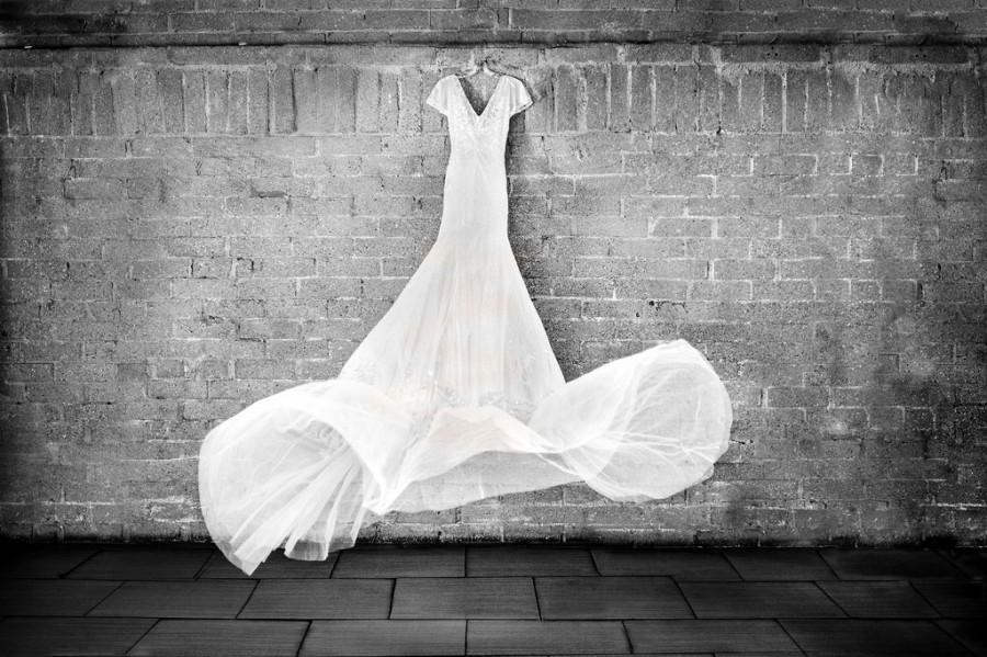 Wedding - The Dress Flies Itself