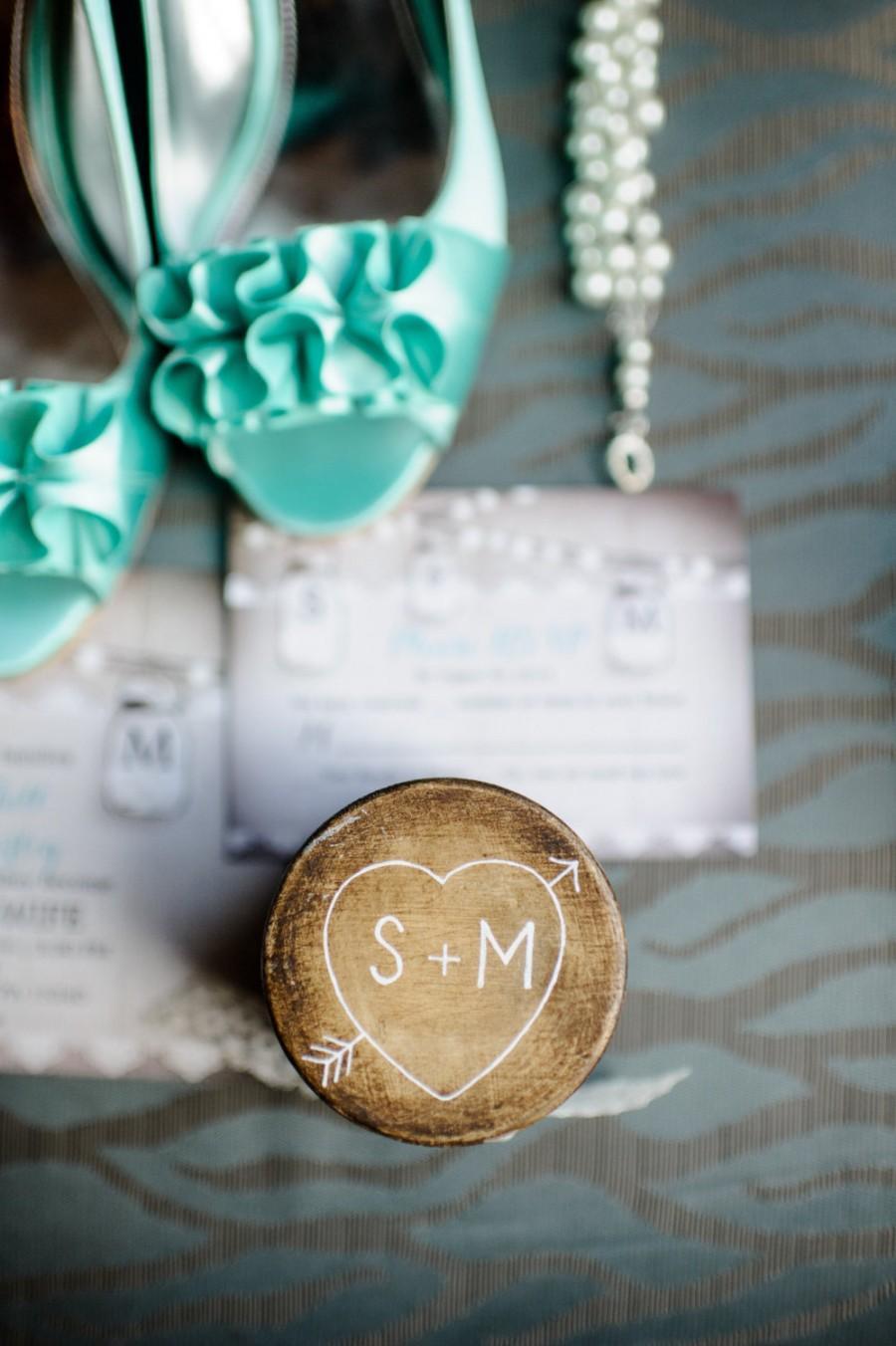 Mariage - rustic wedding ring box, wood engagement ring box , vintage, shabby chic, custom,  beach, unique wedding pillow alternative woodland wedding