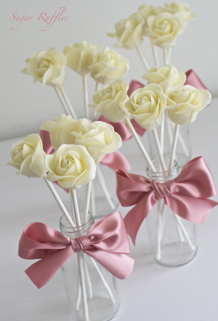 زفاف - White Chocolate Rose Cake Pops