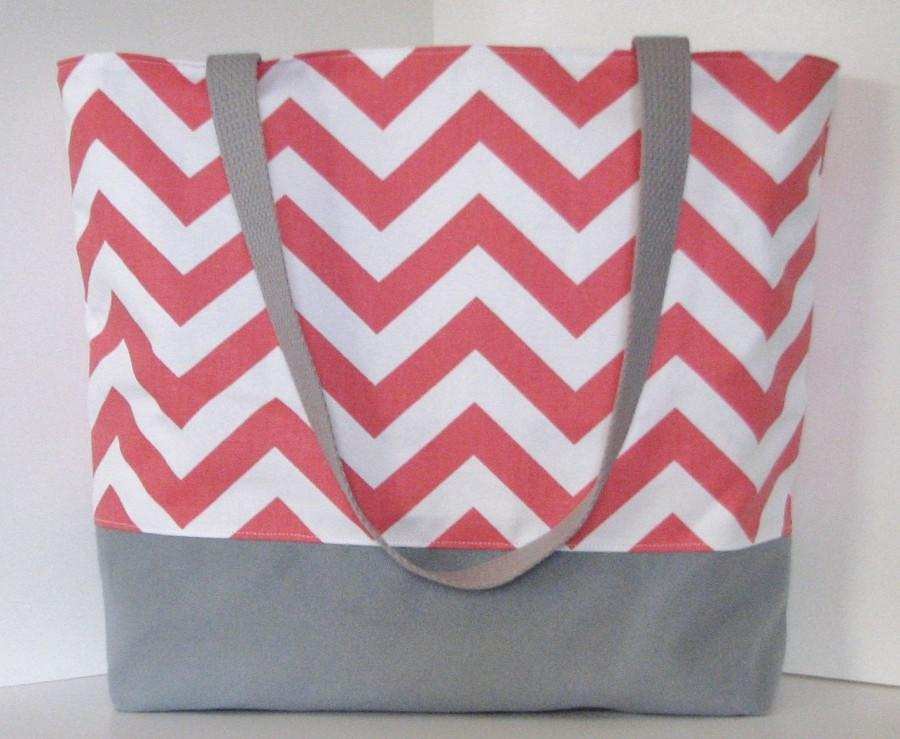 Hochzeit - Set of 7 Chevron Tote Bags . Coral and Gray . chevron Beach bag . Standard size . Great bridesmaid gifts MONOGRAMMING Available