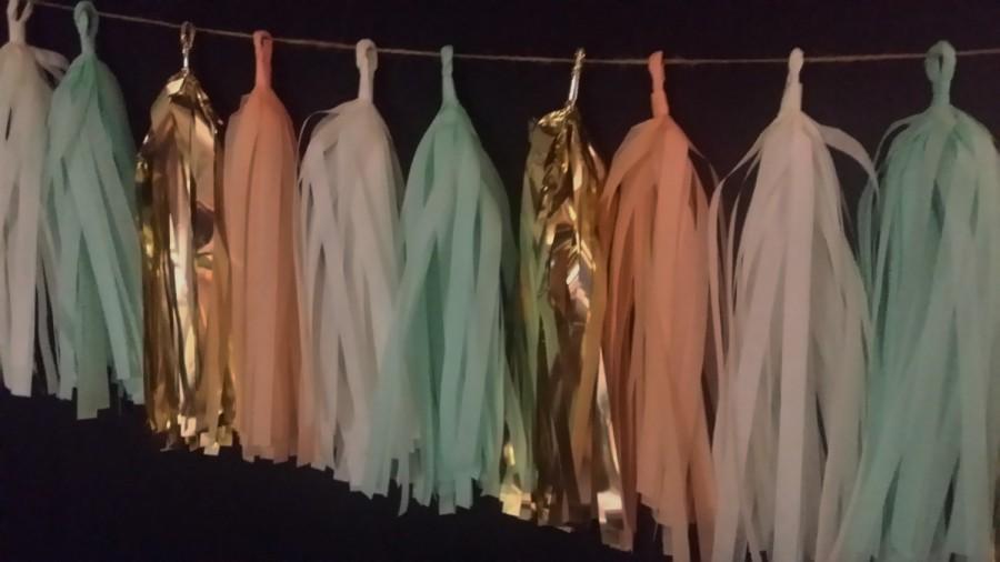 Mariage - ONLY 14.99, 20 Tassel Peach Mint Green Tissue Tassel Paper Garland, Wedding Decorations, Streamers, Pom Pom Garland, Tassel Garland, Fringe
