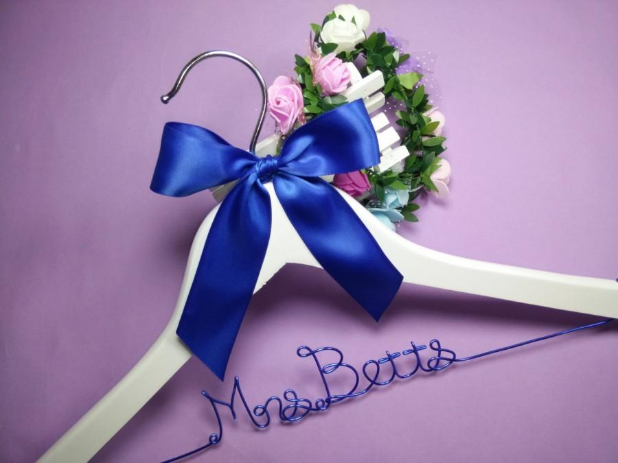 Mariage - name hanger , Personalized Wedding Hanger, bridesmaid gifts, brides hanger bride gift ,hanger with ribbon,bride hanger for wedding dress