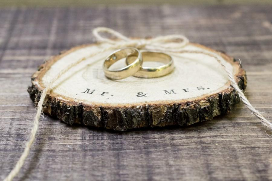 Wedding - Ring Bearer Box / Slice, Mr & Mrs Wedding Box Rustic Wooden Ring Holder Ring Pillow Alternative Natural Wedding Custom ring slice, ohtteam