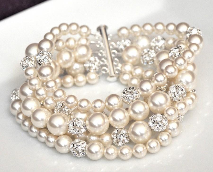 زفاف - Pearl Cuff Bracelet, Chunky Wedding Bracelet, Ivory Pearl Bridal Bracelet. Swarovski Bridal Bracelet
