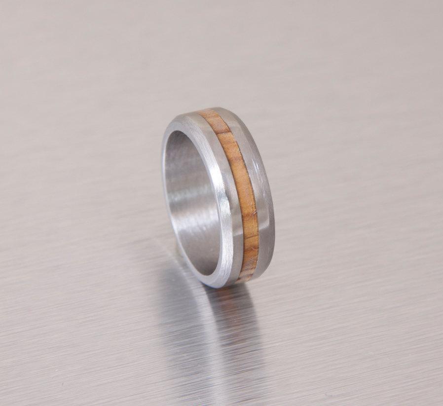 Свадьба - Titanium Wood ring  Titanium Ring man ring Olive Wood ring // Mens Wood Rings //wood Wedding Band //Men's  wedding Band