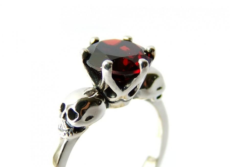 زفاف - Skull Jewel Ring Silver Red Garnet Sterling Goth Engagement Ring Blood Red Gemstone Ring Memento Mori Womens Ring Psychobilly All Sizes
