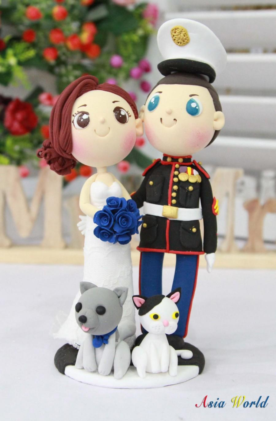 Mariage - Wedding cake topper, US Marine with his beautiful wife and lovely pets clay dolls, Engagement clay decoration, clay ring holder, clay figure