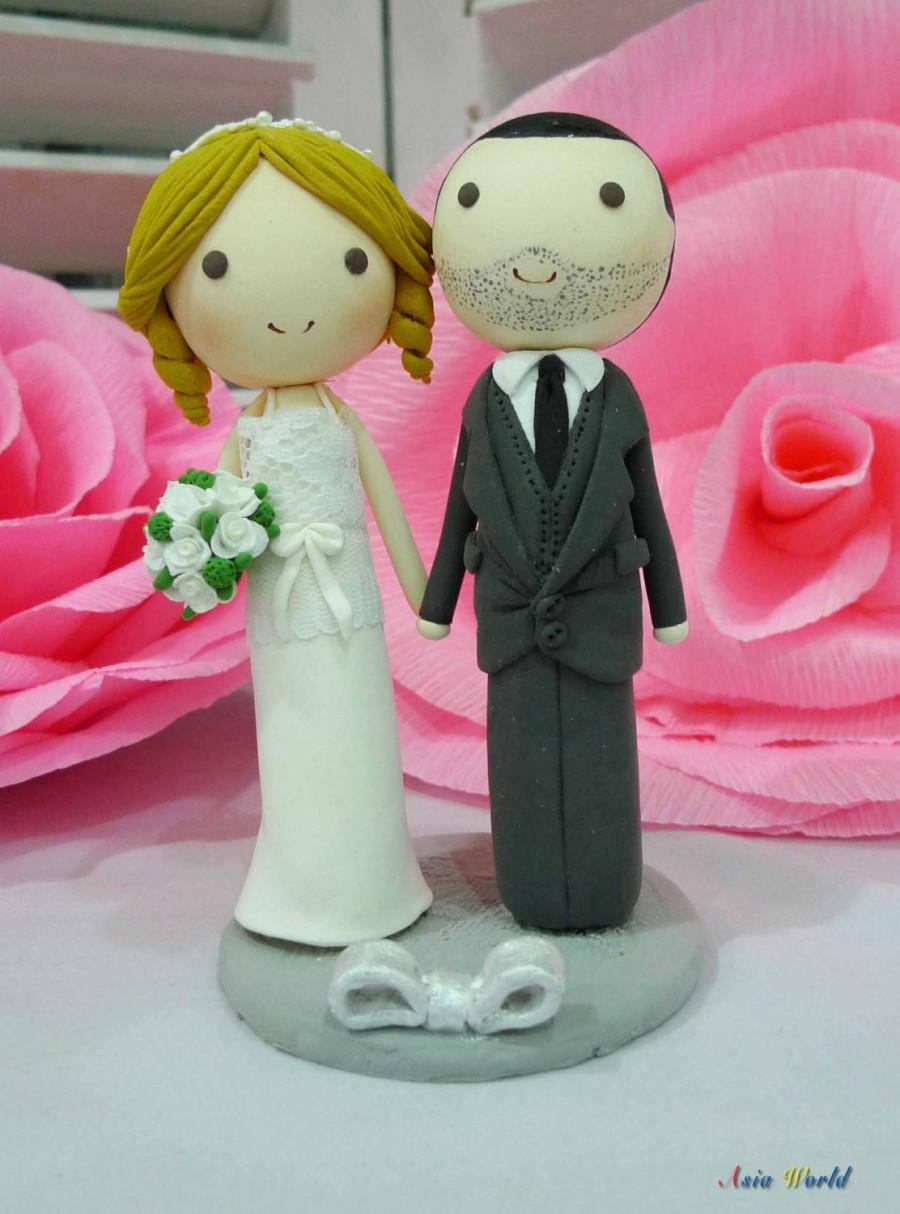 Mariage - Wedding Cake topper Lace Vintage wedding dress clay doll, wedding clay miniature, clay figurine decoration, clay ring holder, clay couple