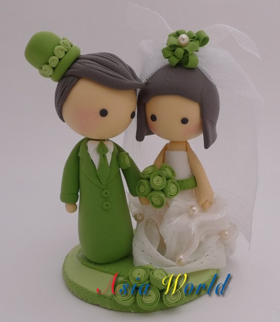 Mariage - Vintage Green Wedding Cake topper, Wedding clay doll, Wedding decoration, engagement party