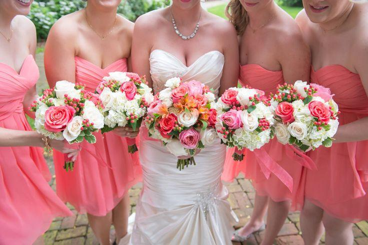 Свадьба - 14 Gorgeous Spring Wedding Bouquets - The SnapKnot Blog