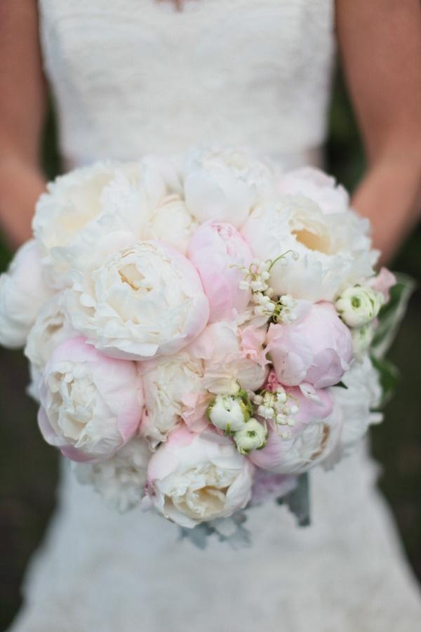 Hochzeit - South Carolina Plantation Wedding From Out Of Hand Floral Design