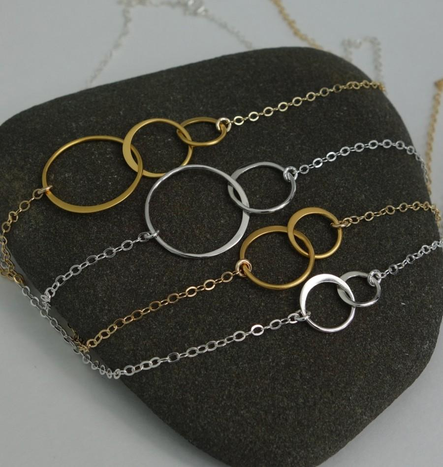 Gifts For Her Mom Part - 29: Interlocking Circles Necklace / Sterling Silver Or Gold / Gifts For Her MOM  Family Wedding Jewelry Bridesmaid Birthday