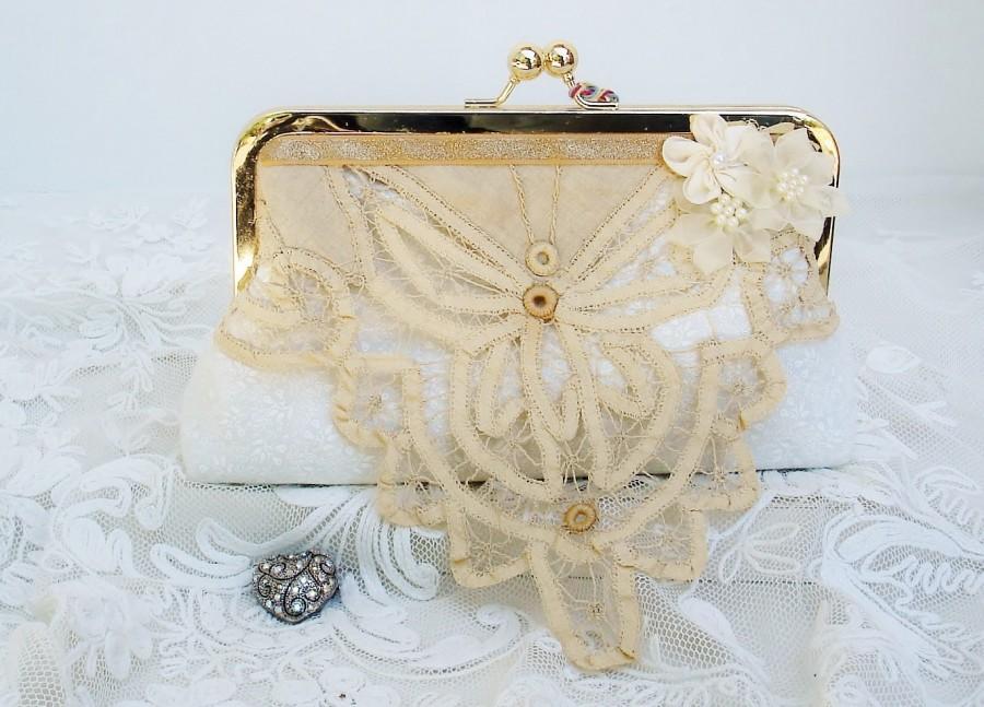 Mariage - Ivory Wedding Clutch/ Butterfly Wedding / Vintage Wedding / Lace Wedding Clutch