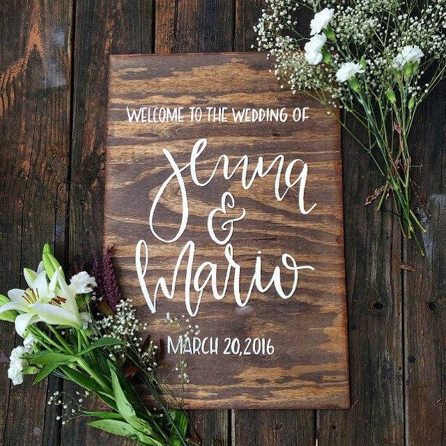 "Mariage - Personalized Wedding Welcome Sign // Hand Lettered Calligraphy, Wood Sign 24"" x 16"""