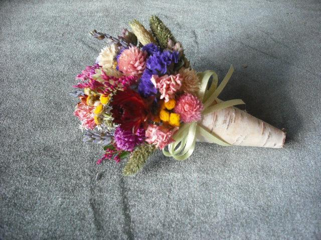 Свадьба - Dried flower corsage or pin  in birch bark cone, for a spring, garden, rustic, nature themed wedding.