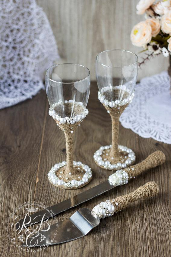 Boda - Vintage Chic WHITE Wedding SetCake Server and Knife Wedding glasses with light brown ropepearlcrystals & pearls weddingRustic4pcs