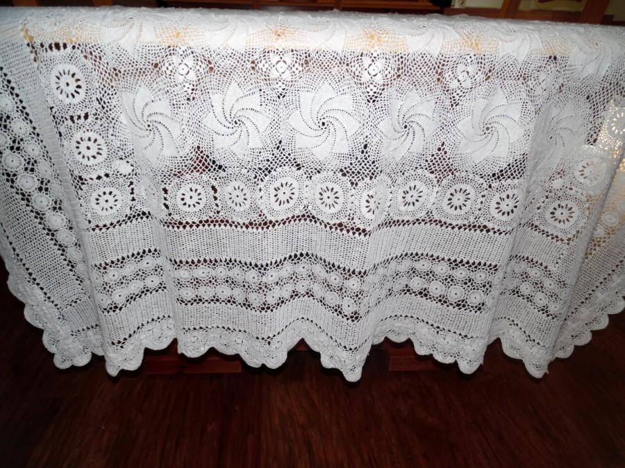 Mariage - Vintage White Lace Overlay Wedding Tablecloth Pinwheel Design 56 X 86 Inches SVFT ECS Reduced