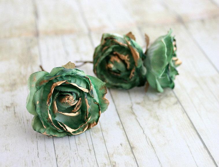 Mariage - Emerald and Gold Rose Flower Hair Pins.Weddings. Bridesmaids, Floral, Hair Accessories. Green Rose, emerald flower hair clip, fall, autumn