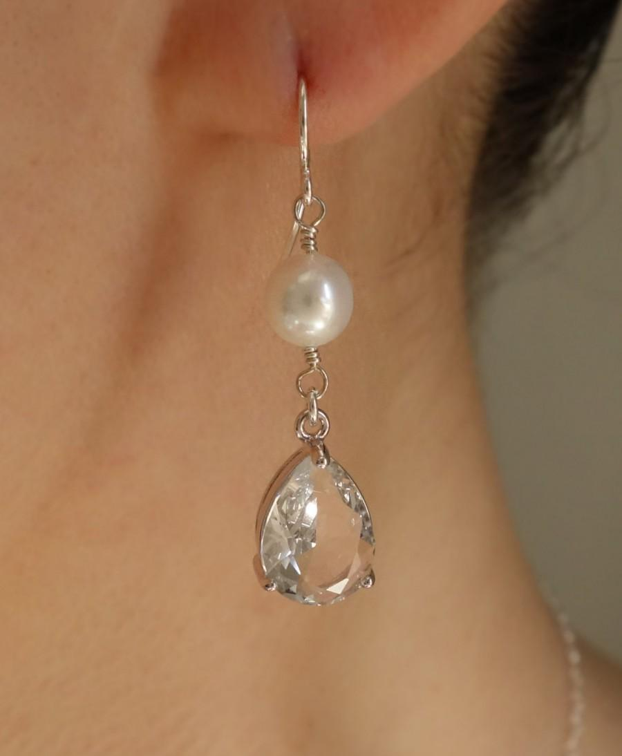 Свадьба - Bridesmaid Gift Jewelry Set Pearl Clear Teardrop CZ Pearl Earring Pearl Necklace Silver Wedding Gift Bridesmaid Necklace Bridesmaid Earring