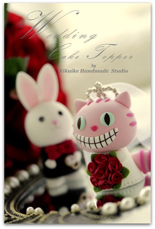 Mariage - Wonderland love cheshire cat and rabbit  with sweet heart base----k754