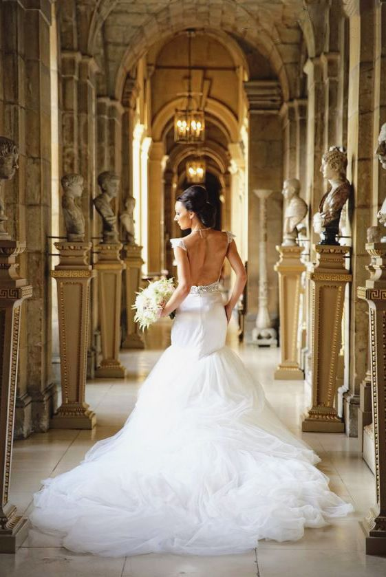 Wedding - This Zahavit Tshuba Gown Is Demonstrating The Definition Of Classic Elegance!