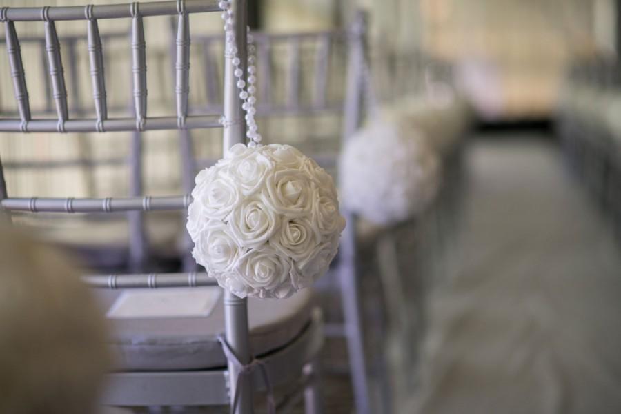 Свадьба - WHITE Flower Ball with PEARL HANDLE, Kissing Ball. Pomander. Flower Girl. Wedding Decor. Choose Your Rose Color.
