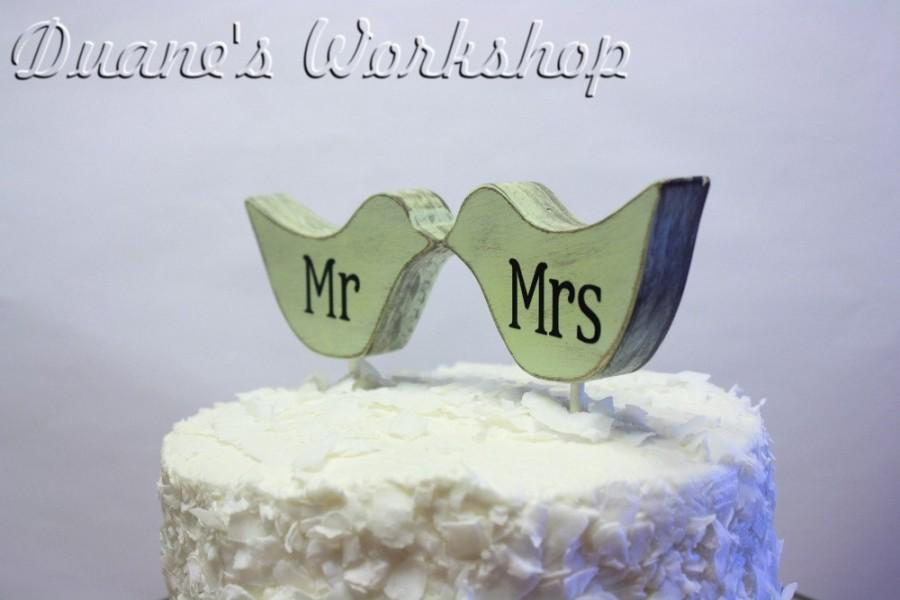 Mariage - mr and mrs Love Bird cake topper, custom, love birds, party favor, shower favors, wedding, home decor, spring decor