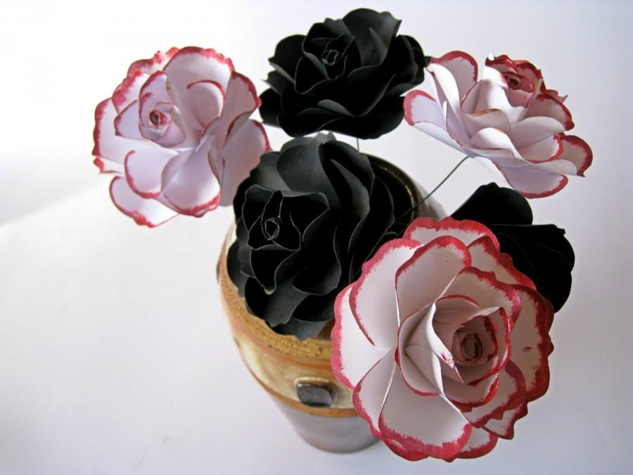 Mariage - Set of 6 Paper Roses, White Paper Flowers, Red Stem Flowers, Black Paper Flowers Centerpiece, Paper Wedding Decor, Centerpiece, Black Decor