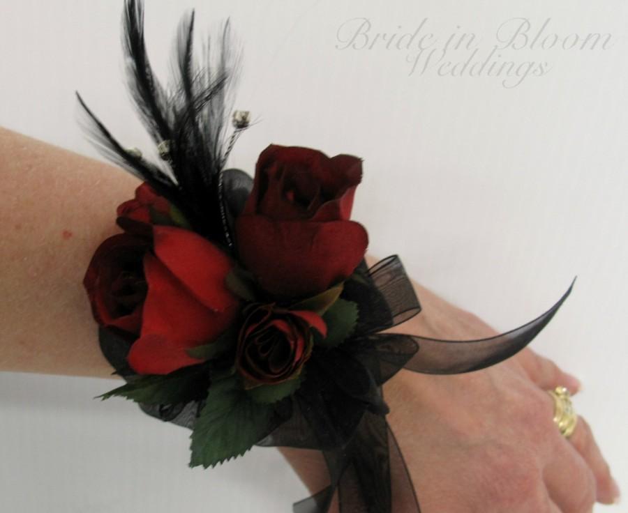 زفاف - Red rose black feather wrist corsage black pearl bracelet Wedding corsages