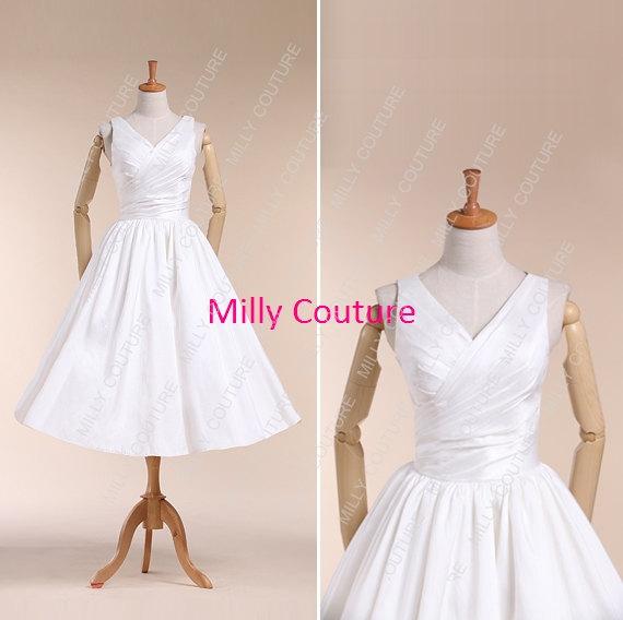 Свадьба - vintage short wedding dress, V neck taffeta wedding dress, simple wedding dress 1950s, tea length wedding dress, name Mary