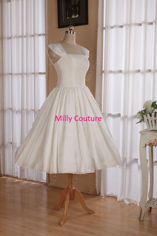 Свадьба - Cap sleeves 1950s  pin up wedding dress tea length, retro style wedding dress, wedding dress vintage, 1950s short wedding dress