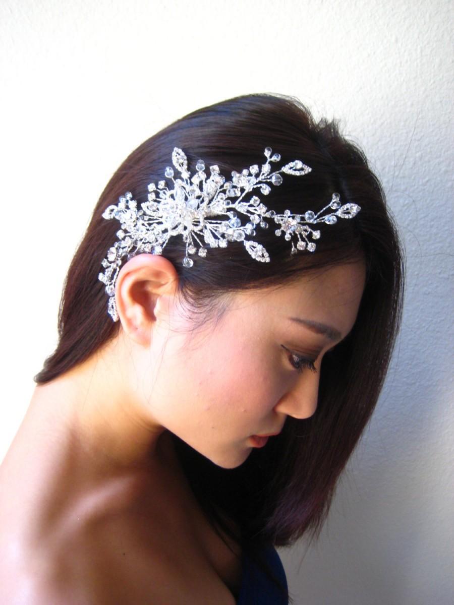 Mariage - Sale 20% off.  Ethereal swarovski crystal bridal headpiece.  Leaf vine, flower wired wedding hair comb